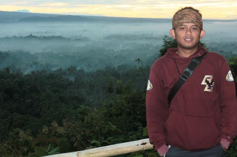 Eko Syamsudin at Bukit Punthuk Setumbu