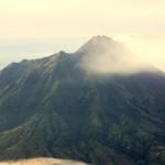 Gunung Merapi di lihat dari Gunung Merbabu