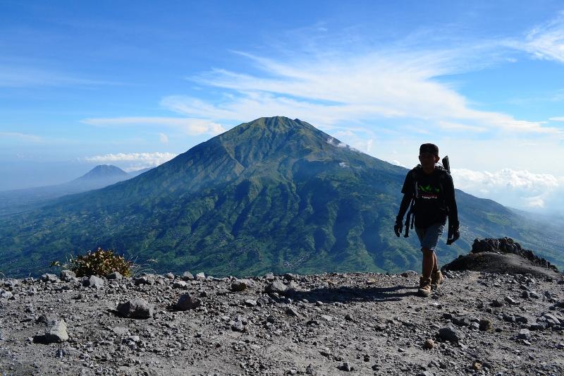 Eko Syamsudin Musafir yang Asing di Gunung Merapi 2.968 Mdpl Yogyakarta
