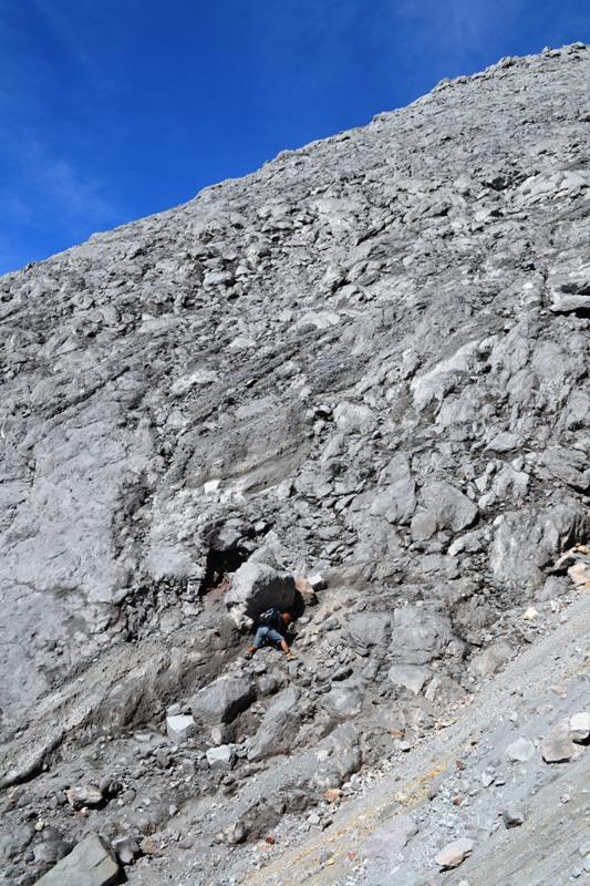 Eko Syamsudin di Bebatuan Gunung Merapi