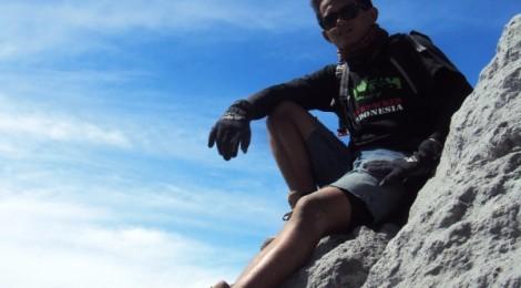 Eko Syamsudin di Gunung Merapi 2.968 Mdpl Yogyakarta